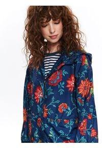 TOP SECRET - Oversizowa kurtka w kwiaty. Kolor: niebieski. Materiał: tkanina. Długość rękawa: krótki rękaw. Wzór: kwiaty. Sezon: wiosna, lato