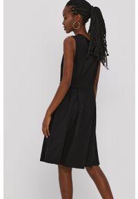 Vila - Sukienka. Kolor: czarny. Materiał: dzianina. Wzór: gładki. Typ sukienki: rozkloszowane