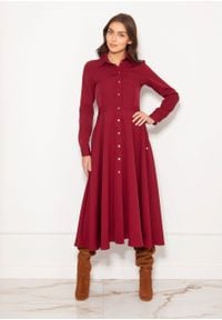 e-margeritka - Sukienka koszulowa długa elegancka bordowa - 42. Okazja: do pracy. Kolor: czerwony. Materiał: poliester, materiał. Długość rękawa: długi rękaw. Typ sukienki: koszulowe. Styl: elegancki. Długość: maxi