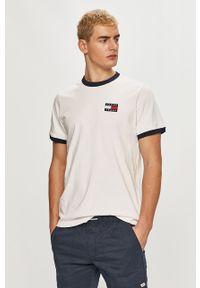 Biały t-shirt Tommy Jeans z aplikacjami, casualowy, na co dzień