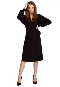 Style - Dzianinowa kopertowa sukienka wiązana na boku czarna. Kolor: czarny. Materiał: dzianina. Typ sukienki: kopertowe