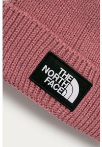 Różowa czapka The North Face z aplikacjami