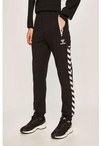Czarne spodnie dresowe Hummel