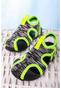 Czarne sandały Casu na rzepy
