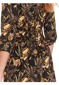 TOP SECRET - Koszulowa sukienka maxi z roślinnym nadrukiem. Kolor: czarny. Materiał: dzianina. Wzór: nadruk. Sezon: lato. Typ sukienki: koszulowe. Długość: maxi