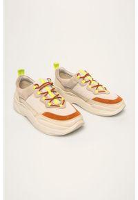 Kremowe buty sportowe vagabond na obcasie, z cholewką, na średnim obcasie, z okrągłym noskiem