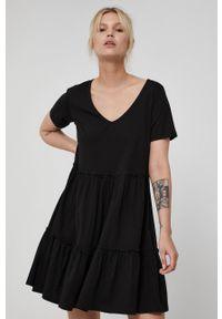 medicine - Medicine - Sukienka Essential. Kolor: czarny. Materiał: dzianina, bawełna. Długość rękawa: krótki rękaw. Wzór: gładki. Typ sukienki: rozkloszowane