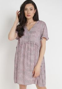 Born2be - Różowa Sukienka Iphagale. Kolor: różowy