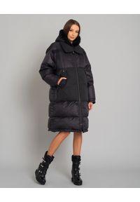 YVES SALOMON PARIS - Czarny płaszcz puchowy. Kolor: czarny. Materiał: puch. Długość rękawa: długi rękaw. Długość: długie. Styl: sportowy, elegancki
