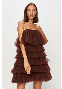 Brązowa sukienka Miss Sixty z dekoltem karo, na ramiączkach