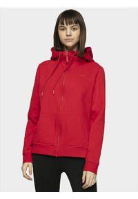 Czerwona bluza rozpinana 4f w kolorowe wzory, sportowa, na co dzień, z kapturem
