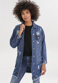 Born2be - Niebieska Kurtka Ynisania. Kolor: niebieski. Materiał: jeans. Długość rękawa: długi rękaw. Długość: długie. Wzór: aplikacja