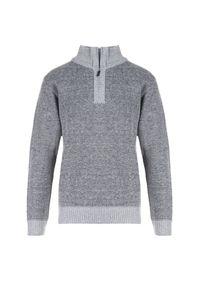 Szary sweter Born2be z golfem