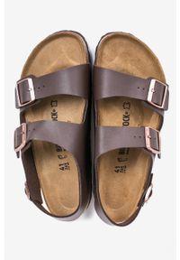 Brązowe sandały Birkenstock na klamry