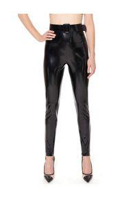 AGGI - Lateksowe spodnie Olivia. Kolor: czarny. Materiał: lakier, materiał