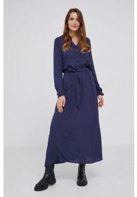 Answear Lab - Sukienka. Kolor: niebieski. Materiał: tkanina. Wzór: gładki. Typ sukienki: rozkloszowane. Styl: wakacyjny