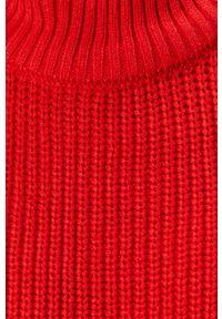 Czerwony sweter Noisy may z golfem, casualowy, na co dzień