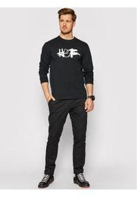 HUF Longsleeve HAZE Remix TS01381 Czarny Regular Fit. Kolor: czarny. Długość rękawa: długi rękaw