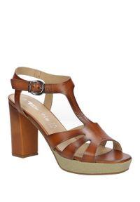 Tamaris - sandały tamaris 1-28011-36. Okazja: na co dzień. Kolor: brązowy. Materiał: skóra ekologiczna, materiał. Sezon: lato. Styl: casual