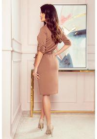 Numoco - Sportowa sukienka z kwadratowym kołnierzykiem. Materiał: materiał, elastan. Długość rękawa: krótki rękaw. Typ sukienki: sportowe. Styl: sportowy