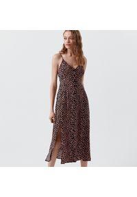 Cropp - Długa sukienka w kwiaty -. Wzór: kwiaty. Długość: maxi