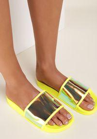 Renee - Żółte Klapki Wylinysha. Kolor: żółty. Materiał: guma