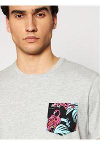 Tommy Jeans T-Shirt Contrast Pocket Tee DM0DM10283 Szary Regular Fit. Kolor: szary