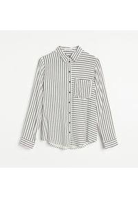 Reserved - Wiskozowa koszula w paski - Czarny. Kolor: czarny. Materiał: wiskoza. Wzór: paski