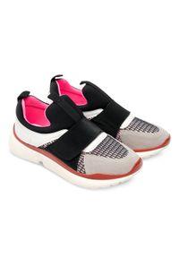 MARQUIIZ - Buty sportowe damskie Marquiiz HP-2953 Czarne. Zapięcie: bez zapięcia. Kolor: czarny. Materiał: tworzywo sztuczne. Wzór: ażurowy. Obcas: na obcasie. Wysokość obcasa: niski