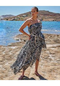 BY CABO - Asymetryczna sukienka z printem Aruba. Kolor: czarny. Materiał: bawełna. Wzór: nadruk. Sezon: lato. Typ sukienki: asymetryczne. Styl: elegancki. Długość: maxi
