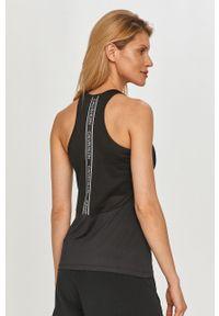 Czarny top Calvin Klein Performance casualowy, z nadrukiem