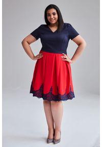 Sukienka dla puszystych Moda Size Plus Iwanek w koronkowe wzory, na wiosnę