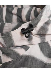 MONCLER - Wzorzysty płaszcz Archid. Kolor: czarny. Długość rękawa: długi rękaw. Długość: długie. Wzór: motyw zwierzęcy. Sezon: jesień, wiosna