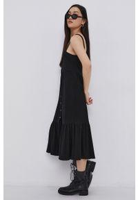 Noisy may - Noisy May - Sukienka. Kolor: czarny. Materiał: dzianina. Długość rękawa: na ramiączkach. Wzór: gładki. Typ sukienki: rozkloszowane