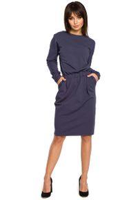 Niebieska sukienka dresowa MOE
