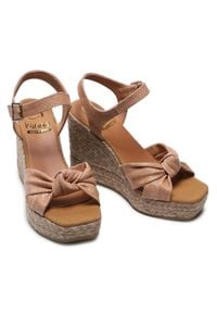 Beżowe sandały Kanna