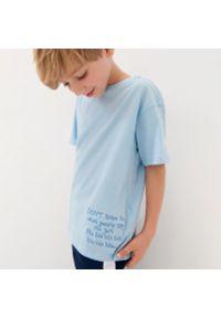 Sinsay - Koszulka z nadrukiem - Turkusowy. Kolor: turkusowy. Wzór: nadruk