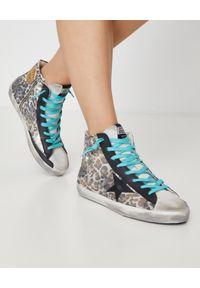 GOLDEN GOOSE - Sneakersy w cętki Mid Star. Wysokość cholewki: przed kolano. Zapięcie: zamek. Kolor: brązowy. Materiał: guma, zamsz. Szerokość cholewki: normalna. Wzór: motyw zwierzęcy, aplikacja