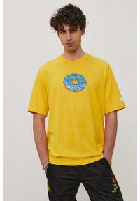 Żółty t-shirt adidas Originals na co dzień, z nadrukiem, casualowy