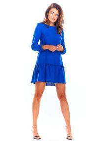 Niebieska sukienka wizytowa Awama trapezowa