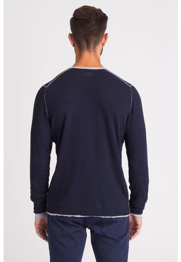 Niebieski sweter JOOP! Jeans klasyczny, z aplikacjami, z okrągłym kołnierzem