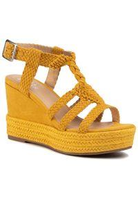Żółte sandały Bullboxer casualowe, na co dzień