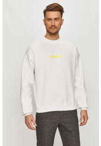 Biała bluza nierozpinana Calvin Klein Jeans z nadrukiem, bez kaptura