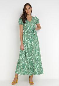 Born2be - Zielona Sukienka Lerou. Typ kołnierza: dekolt w serek. Kolor: zielony. Materiał: tkanina, materiał. Sezon: lato. Długość: maxi