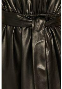 Czarna sukienka Silvian Heach na co dzień, prosta