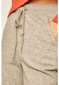 TALLY WEIJL - Tally Weijl - Spodnie. Kolor: szary. Materiał: dzianina. Wzór: gładki