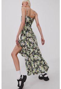 Volcom - Sukienka. Materiał: tkanina. Długość rękawa: na ramiączkach. Typ sukienki: rozkloszowane