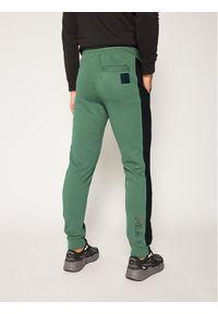 Zielone spodnie dresowe Fila