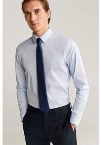 Niebieska koszula Mango Man na co dzień, długa, z klasycznym kołnierzykiem, casualowa