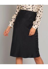 JENESEQUA - Czarna spódnica z jedwabiu Rita. Kolor: czarny. Materiał: jedwab. Styl: klasyczny